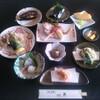 和み処 真 - 料理写真:地物・波まかせ 3000円コース ※撮影時の旬の魚です(当日はその日水揚げされた魚です)