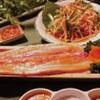 韓サラン - 料理写真:『テンジャンサムギョプサル』  韓国味噌をベースにした特製ダレで熟成させ、おいしく仕上げました。