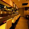 熊屋 - 内観写真:目の前で調理が見れるカウンター