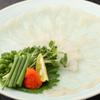 フグ料理 徳福 - 料理写真:『てっさ』は薄く切り、食感を楽しむふぐの王道料理です