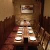ラ・レプブリック - 内観写真:店舗奥側のテーブル席☆12名様まで