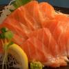 やま奇人 - 料理写真:新鮮・美味しいサーモン刺