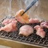 鳥番長 - 料理写真:テーブルで焼くので焼きたてが食べられます