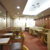 フラミンゴ - 内観写真:きっちりと喫煙席と禁煙席に分けられた店内
