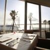 DINING ROOM IN THE MAIKO - 内観写真:ダイナミックな明石海峡大橋と海をお料理と共に