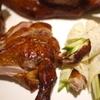 喜臨軒 - 料理写真:ダック 骨ごとぶつ切りと自家製クレープに巻いて