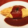 ノスタルジア - 料理写真:人気のオムライス。