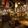 亀戸ホルモン - 内観写真:会社帰りや宴会で使いやすいテーブル席。
