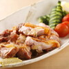 飯家くーた - 料理写真:宮崎地鶏の炭火焼。パリパリの皮と、絶妙の火入れ加減!ゆず胡椒とポン酢で。