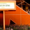 Taverna GUSTAVINO - 外観写真:小さい看板のオレンジ色の壁の階段を下りると当店がございます。