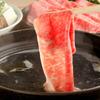 パンドラ - 料理写真:霜降り黒毛和牛のしゃぶしゃぶ  その時期により、最良のお肉を仕入れてご提供致します。霜降り和牛・国産牛・白金豚など人気のお肉をお楽しみ頂けます。 海外の方からの人気も高く、リピート率は85%以上! 当店秘伝のタレにつけてお召しあがり下さい。