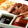 パンドラ - 料理写真:ステーキは帝国ホテル出身のシェフが考案したオリジナルソースで。醤油ベースと約20種のスパイスや野菜からつくられたケチャップベースの2種をご用意しております。