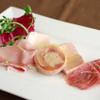 バルピノーロギンザ - 料理写真:自家製のハムの盛合せ