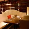 名家 華中華 - 内観写真:ソファーのお席は広々。