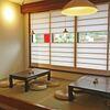 おおむろ軽食堂 - 内観写真:店内一部座席あり4人×2