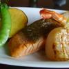 ターシャ - 料理写真:地場産サーモンとエビ、ホタテのグリル