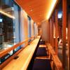 KICHIRI - 内観写真:新宿の夜の街を見下ろすカウンターカップルシートはムード感漂うデートに最適♪♪