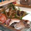 丸冨水産 - 料理写真:大将がセリで色んな鮮魚を仕入れてきます。