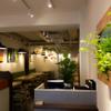 フェルム ド レギューム - 内観写真:木目を中心に落ち着いた雰囲気の店内です