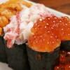 新宿思い出横丁 トロ函 - 料理写真:ぶっかけ三点寿司 ¥1186