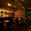 ル ポトローズ - 内観写真:ディナー時の店内