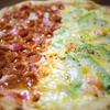 ジャパネスク - 料理写真:ナポリ窯で焼くピッツアは外はパリッと中はモチっ!!!