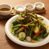 フクモリ - 料理写真:季節のサラダ 3種の塩と特製ドレッシング