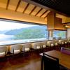 ベーカリーアンドテーブル箱根 - 内観写真:3Fレストラン店内(カウンター席)