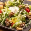 楽 - 料理写真:鴨と温玉のシーザーサラダ