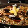 ビキニ タパ - 料理写真:やっぱり大人気の魚介のパエリア