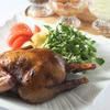 銀座カフェビストロ 森のテーブル - 料理写真:中の中までハーブスモークが行き渡る、絶品ハーブ燻製ローストチキン1羽