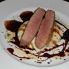 プレゴプレゴ - 料理写真:フランス産の鴨の胸肉を赤ワインソースで。