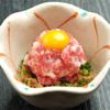 けんぞう - 料理写真:桜納豆馬肉を包丁で叩いて、挽き割り納豆と合わせた桜納豆です。馬肉と納豆の相性は抜群!納豆好きにはたまらない一品です。