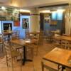フィッシュハウス オイスターバー - 内観写真:ウッディーな店内は地中海の食堂をイメージ
