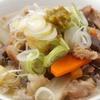 馬力 - 料理写真:すじ煮込(塩味・柚胡椒付)/ もち大根(おろし煮)