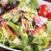 まいうKOREA - 料理写真:「まいうサラダ」自家製ミックスナッツドレシングにレーズンをのせました