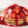 ウォルプタス - 料理写真:苺とマスカルポーネのパンケーキ
