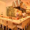 焼鳥 鳥せい - 内観写真:オープンキッチンのカウンター席