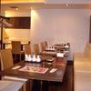 たけくま - 内観写真:店内は白を基調とし、落ち着いた空間。気軽に入れる中華料理店です。