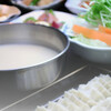 餃子鍋 A-chan 北新地 - 料理写真:あーちゃん餃子鍋  一人前1,580円