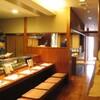 魚料理専門 魚魚一 - 内観写真:カウンターは9席までご用意できます。