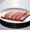 焼肉チャンピオン - 料理写真:新鮮なA5和牛をオーダーを受けてからカットしています。