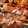 マルハチ商店 - 料理写真:プリプリ新鮮な朝引きもつを香ばしく焼き上げたもつやき!