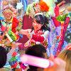 ロボットレストラン - 内観写真:クリスマス限定ショー開催中!