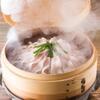 琉球料理といまいゆ しんか/肉バル&ダイニングヤンバルミート - 料理写真:あぐー豚のせいろ蒸し。お客様の目の前で蒸しあげます。