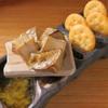 炭火ビストロ 華泉 - 料理写真:カマンベールチーズの藁焼き