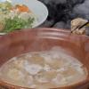 酔灯屋 - 料理写真:手仕込みで鶏ガラを4時間炊きだして取る極上のスープと九州産のオーガニック野菜で作る水炊きは ポン酢を使わずにスープで楽しめます。