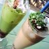 アドマーニ(北本) - ドリンク写真:白玉あずきの抹茶フロート&白玉あずきのほうじ茶フロート