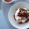 bills - 料理写真:ポーチドチェリーがアクセント『ティラミス フレンチトースト』