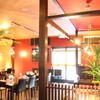 橙~オレンジ - 内観写真:コンセプトは「オリエンタル&トロピカル」。ラーメン店ですが、どうぞのんび-りして下さい!